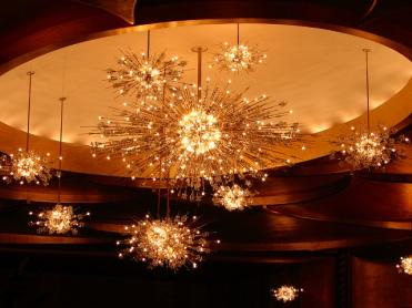 met-chandeliers